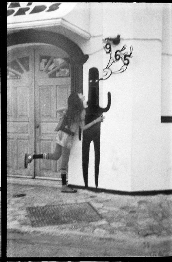 Esta fotografía fue tomada por Gino Addi. La representación de Tomás estaba en una pared de Barrio Antiguo; una expresión artística urbana o una señal de que Tomás está en todas partes.