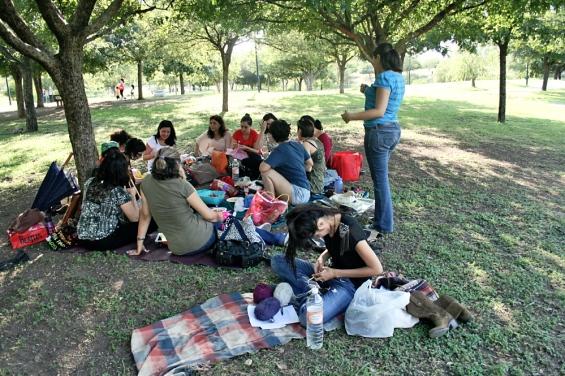 Tejedoras en el Parque Rufino Tamayo.